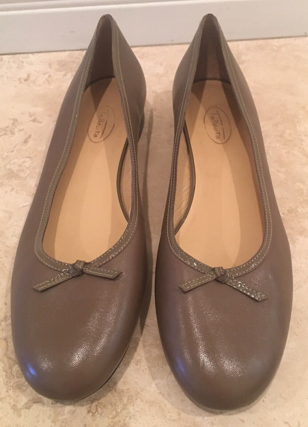 TALBOTS Tan Taupe Leather Classic Ballet Flats w/ Bows Woman's Rare Sz 11M NEW!