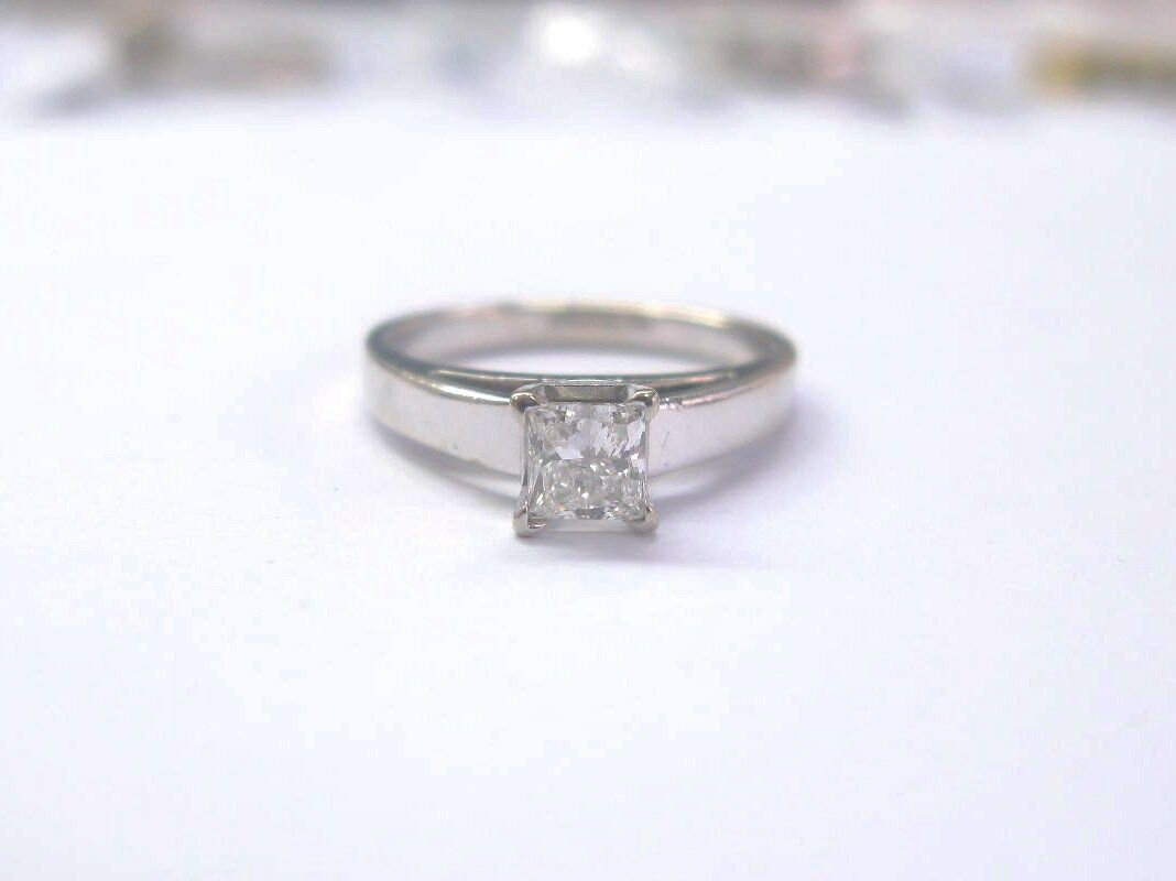 Fine Brilliant .47CT Princess Cut Diamond Engagement Wedding Solitaire Ring WG