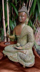 Besondere-sehr-fein-gearbeitete-alte-Bronze-Buddha-Statue-aus-NEPAL-32cm-5-3-Kg