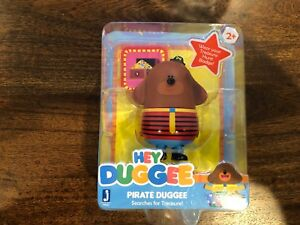 """New 2+ Hey Duggee Pirate Duggee Searches for Treasure! 3/"""" Figure w// Badge"""