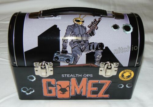Mezco One:12 Collectif Gomez Stealth OPS Tin Lunch Box avec Inserts