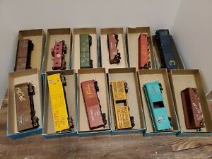 Athearn-Miniature-Train-Cars-lot-of-12-cars-in-great-shape-Vintage-Awesome