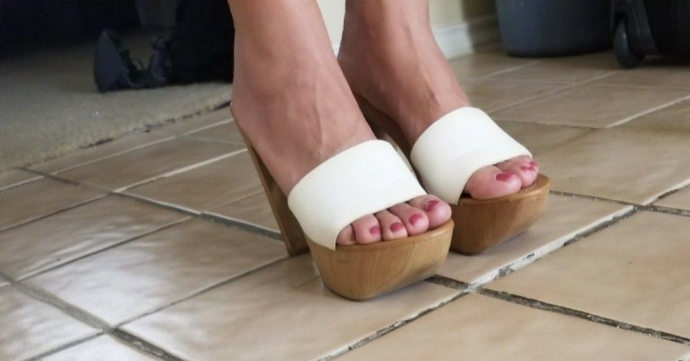 Vintage 1980 Style  Candies Sandals High Heels Slides Sexy bianca 7.5   37  tempo libero