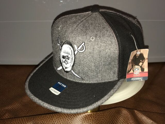 Reebok NFL Gridiron Classic Brand Oakland Raiders Cap 100% Wool Size 7- 5/8 NEW!