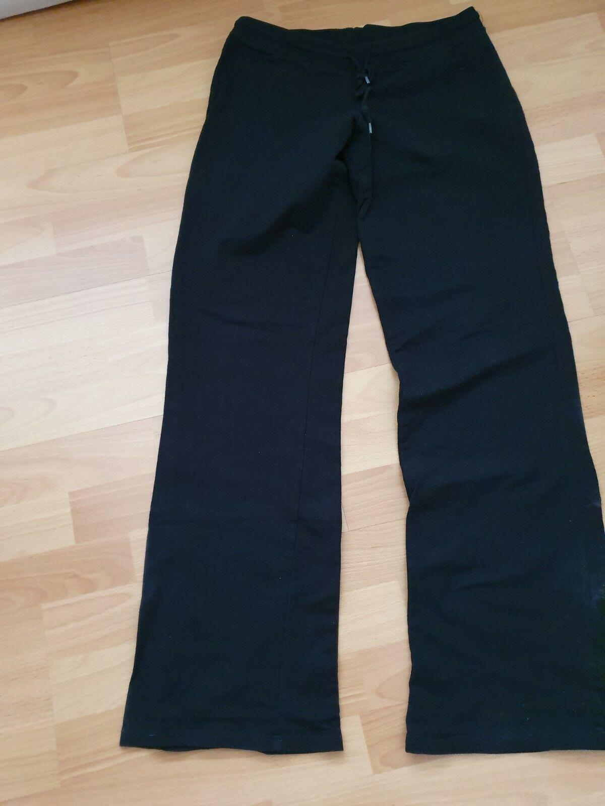 leichte schwarze Sporthose von Amisu Gr M