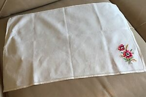 Vintage-Embroidered-Chair-Back-Tablecloth-1950s-Retro-Linen-Red-Silk-Floral