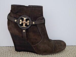 dee7ad2312d TORY BURCH  350 Aaden brown suede gold logo detail wedge heel ankle ...