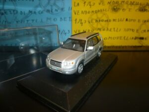 1-43-Subaru-Forester-2007-4WD-SUV-argento-argent-silver-silber-prof-repainted