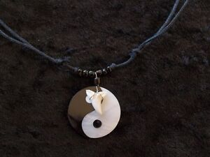 SHARK-ATTACK-YING-YANG-MOTHER-OF-PEARL-WITH-TOOTH-BLACK-BEADED-CORD-SURFER-c50