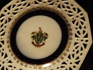 Vintage-Commemorative-Plate-Gold-Gilding-Buxton-Council-Coat-Of-Arms-By-Foreign