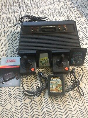 "100% Kwaliteit Vintage Atari 2600 ""light Sixer"" Console. With Book, 3 Games And Controllers!"