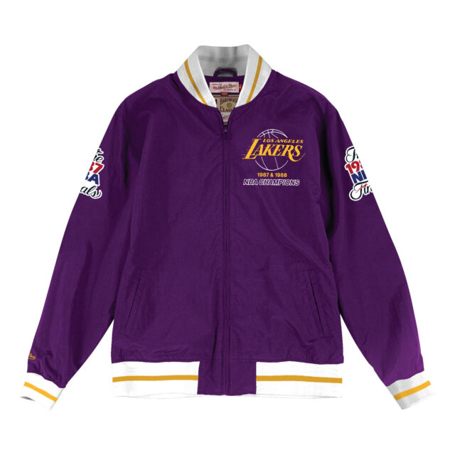 best loved e6c62 0dc90 Los Angeles Lakers Mitchell   Ness Team History Warm Up Jacket XXXL