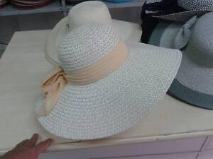 Caricamento dell immagine in corso cappello-beige-elegante-cerimonia-taglia- unica-paglia-hat- fb0fc28d6f19