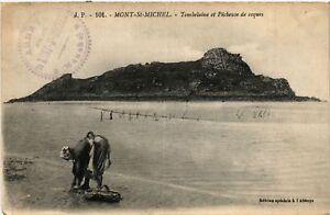 CPA-Le-Mont-Saint-Michel-Tombelaine-et-Pecheuse-de-coques-633051