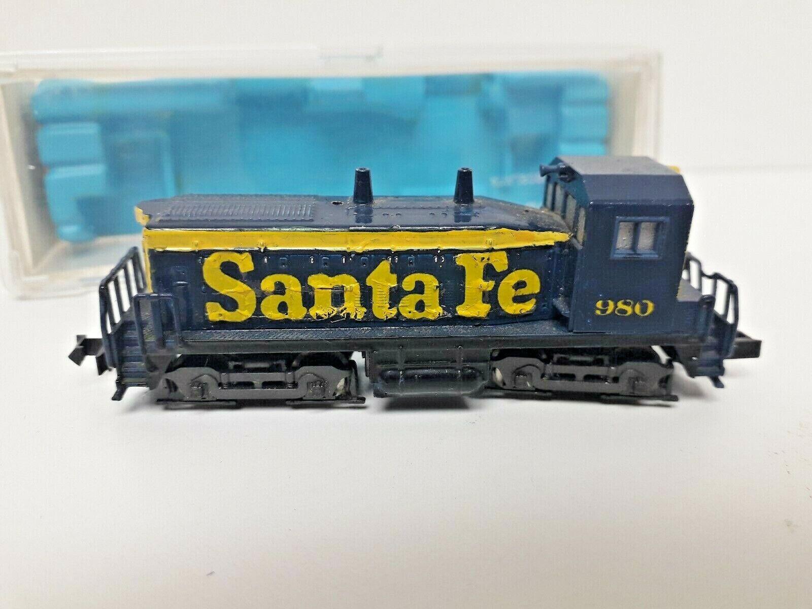 N Gauge Atlas Rivarossi Locomotive Switcher Santa Fe 4002 Demonstration SW1500