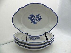 Pfaltzgraff-Yorktowne-pattern-set-lot-of-4-oval-Snack-Salad-plates-EUC-retired