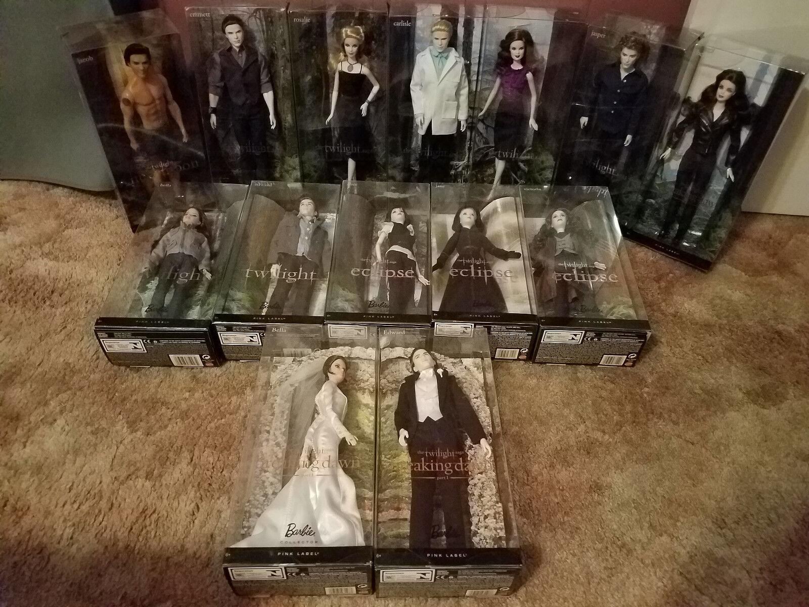 Masse of 14 Dolls from The Twilight Saga