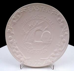 FRANKOMA-POTTERY-WHITE-SAND-EASTER-JESUS-IS-NOT-HERE-7-1-4-034-PLATE-1972