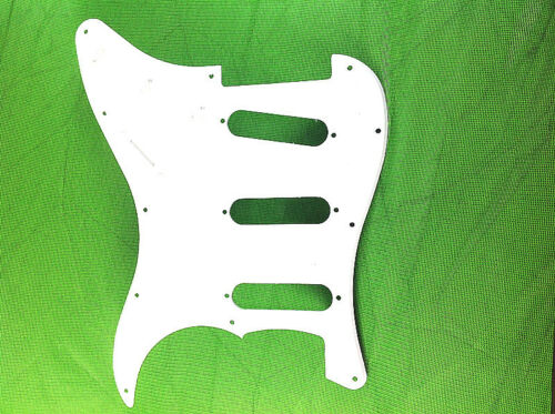 SSS Standard Stratocaster Pickguard Fits Fender//Charvel with Pure White