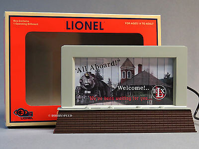 LIONEL-ART #6-82017 OPERATING-BILLBOARD-PLUG-n-PLAY-road-train-accessory NEW