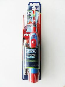 Oral-B-Braun-STAGES-POWER-Kids-Boys-Battery-Toothbrush-Disney-Cars-NEW-AGE-3
