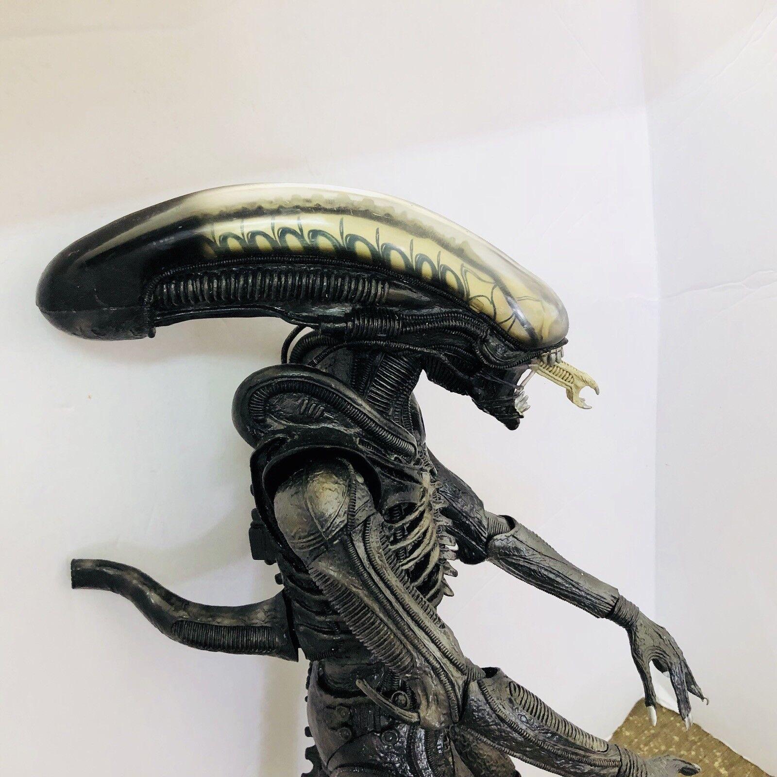 2008 NECA Alien Big Chap Xenomorph 22