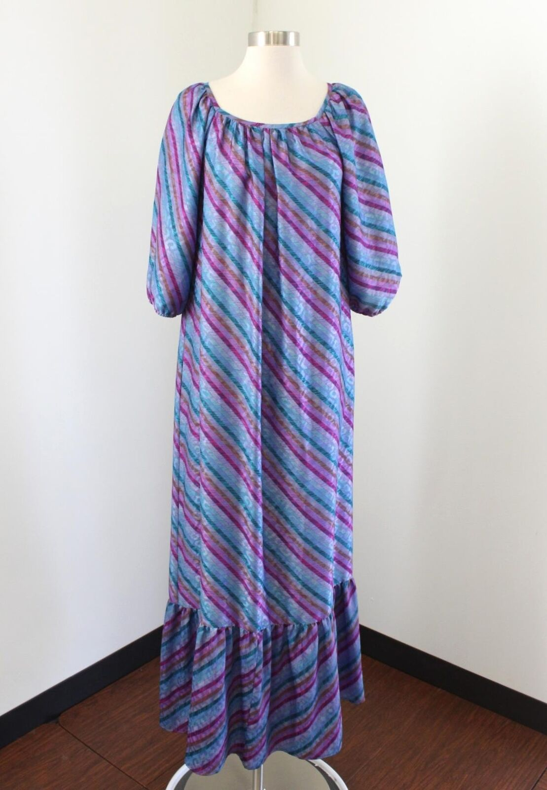 Vtg Kiyomi Hawaii Purple Striped House Dress Size S Embossed Muumuu Mod