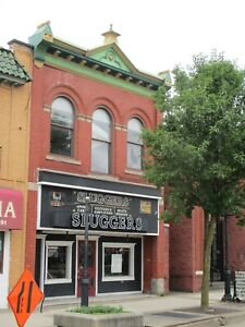 FORECLOSURE! 3-UNITS COMMERCIAL & APARTMENTS ON MAIN STREET! ABSOLUTE/NO RESERVE
