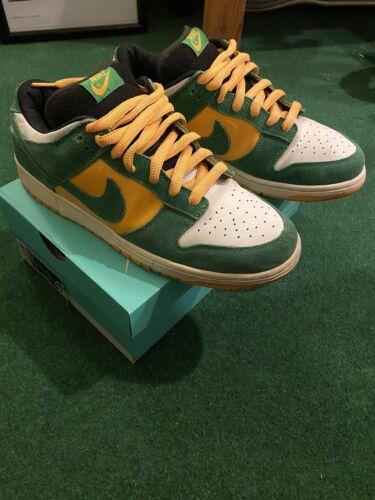 Nike SB Dunk Low - Buck Green / Del Sol 304292-132
