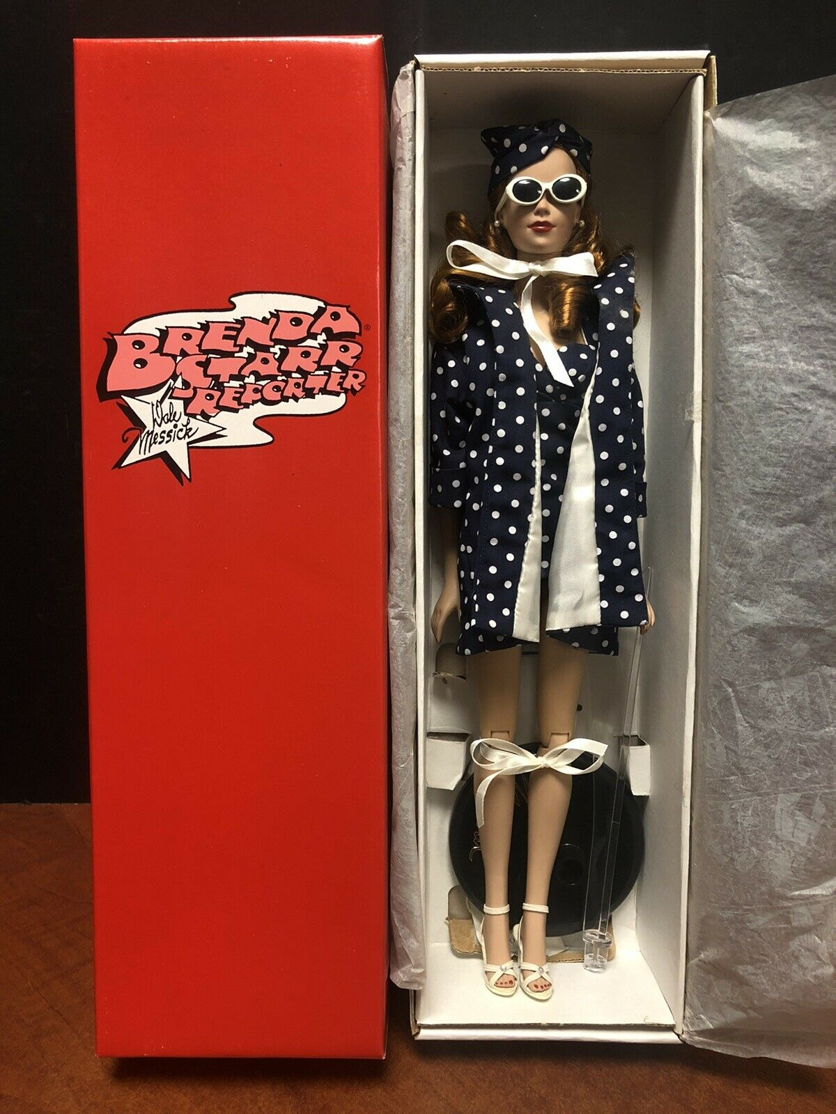 Effanbee Doll Brenda Starr Reporter Bathing Beauty EM4397