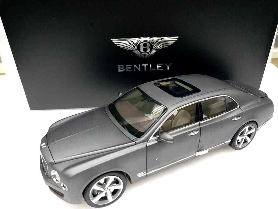 Bentley Mulsanne Speed Dark grå Satin KYOSHO modellllerL 1  18 GDS