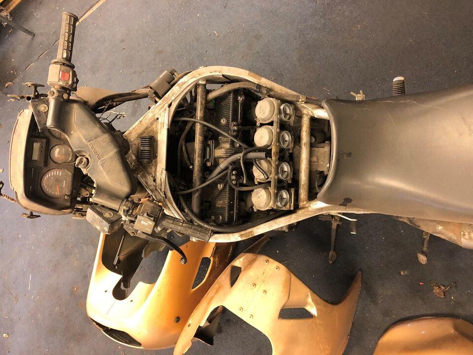 Suzuki, GSX 1100F, 1100 ccm