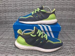 Adidas Ultra Boost Men's Running/Gym Baskets Taille UK 7 bleu/Fluo