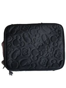 Disney-Parks-subtle-Mickey-Mouse-pieces-quilted-Ipad-Tablet-Case-10-1-2-X-8-034
