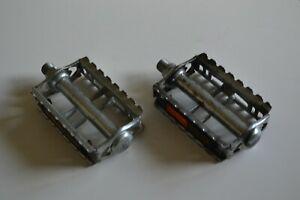 Vintage-1980-039-s-Union-U41-Steel-Pedals-Set-Pair-9-16-034