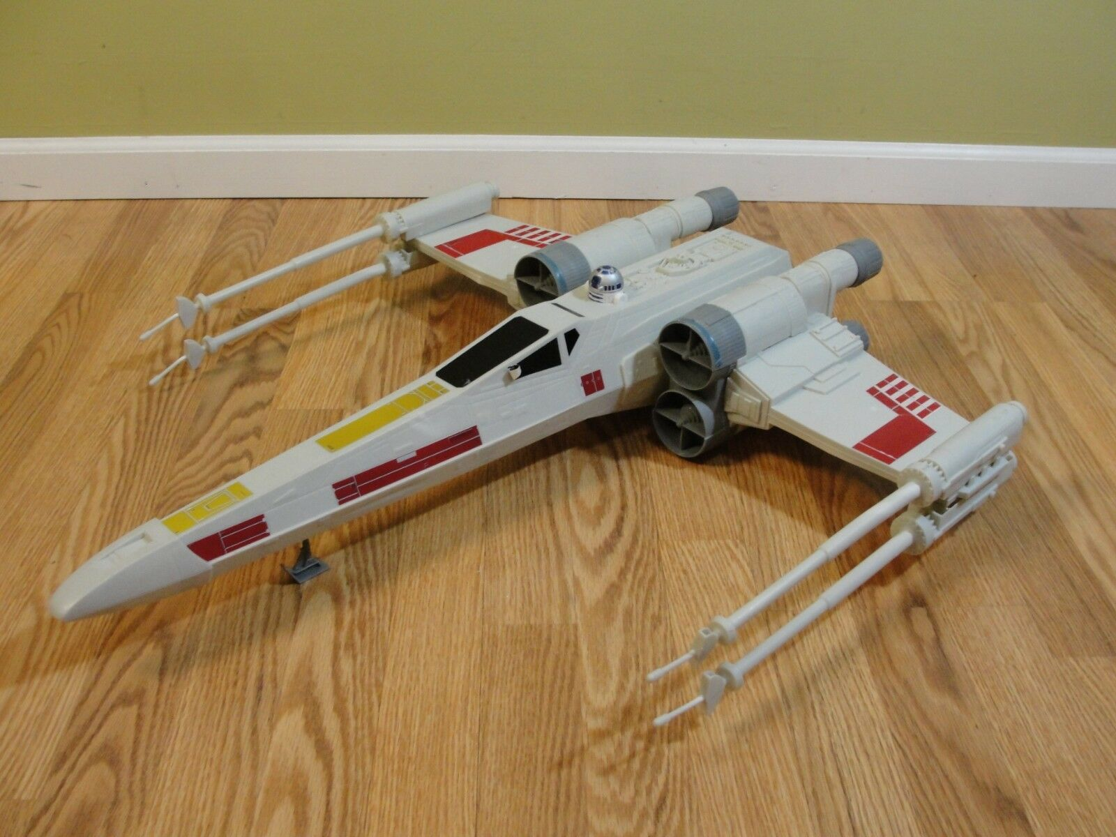 Star Wars Hero Series Huge X-Wing Fighter Vehicle A8798 Hasbro Europe
