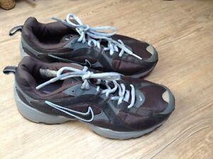 Nike-Gr-39-Damen