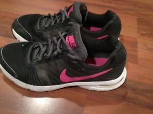 Malawi Confuso conversacion  Nike Air Futurun 2 para mujer Athletic Correr Entrenamiento Calzado Negro  Rosa Talla 7.5 | eBay