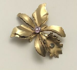 Vintage-orchid-flower-Brooch-Pin-gold-tone-metal-with-crystals