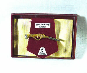 Collectable-England-Stratton-Tie-Bar-Clip-Clasp-17th-Century-Pistol