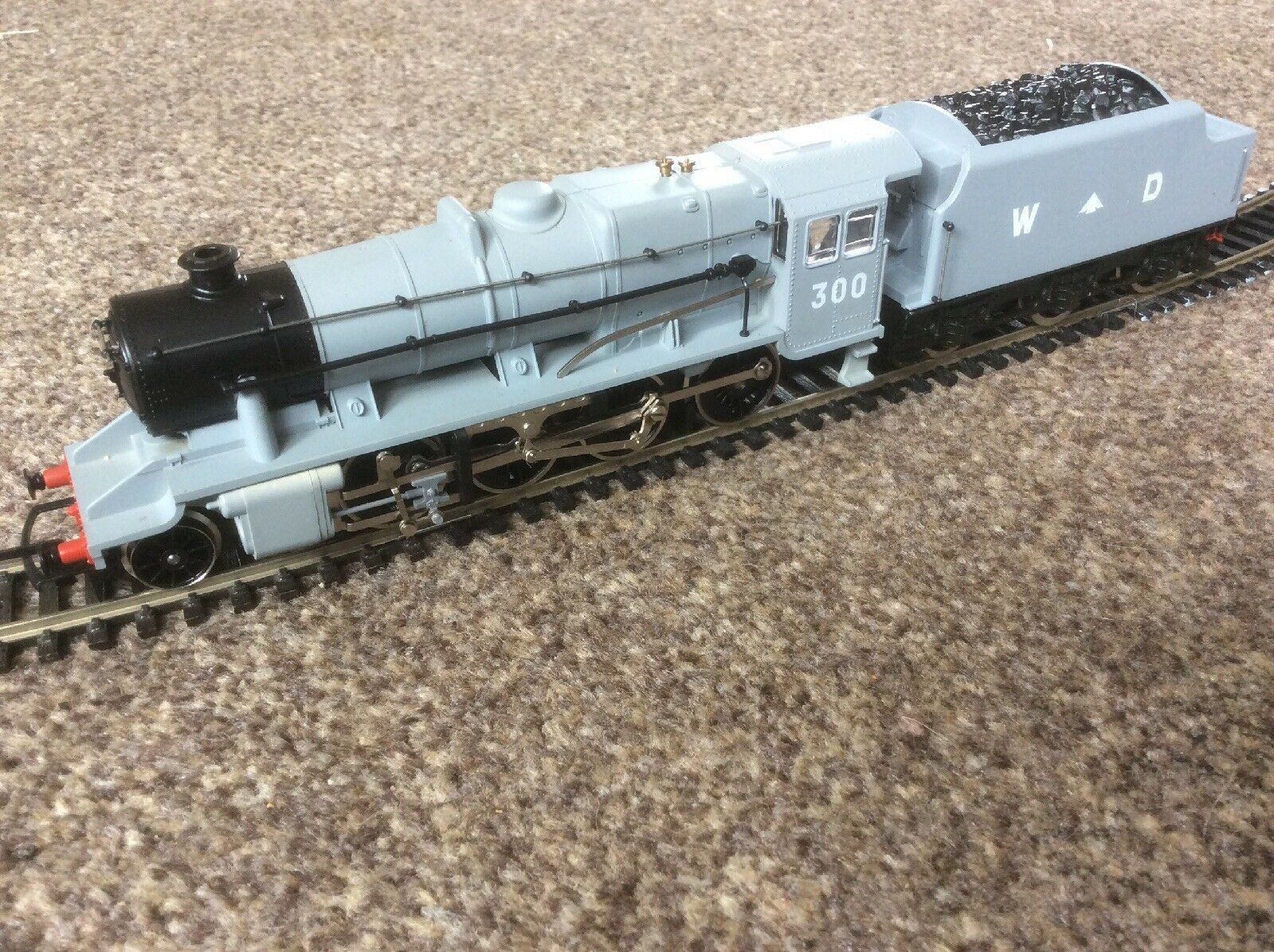 Hornby R2043 WD Class 8F No. 300 Ltd Ed No 0153 of 500 (Much Ado About Juguetes)