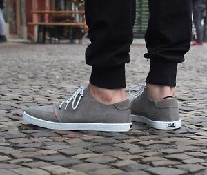 d8e4bc35b68c15 Das Bild wird geladen HUB-Footwear-Schuhe-Boss -greyish-white-Sneakers-Canvas-