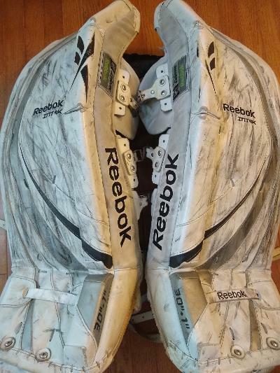 Inclinado Largo lluvia  Reebok INT 9k Ice Hockey Goalie Leg Pads 30
