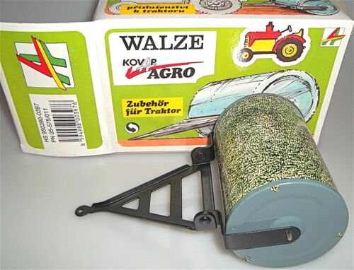 Traktor OVP å Walze Kovap Kovar Agro Blechspielzeug Zubehör f