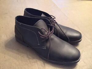 Life Braydon Mens Chukka Boots Size