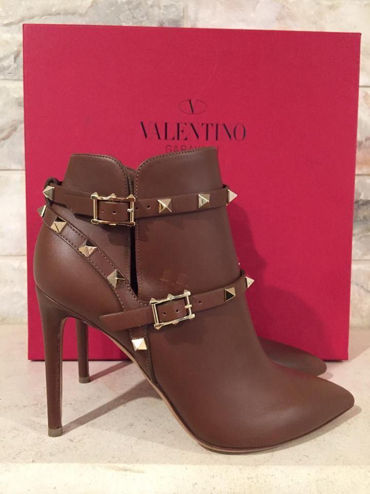 NIB Valentino Rockstud marron Tan Leather Buckle Ankle Heel démarrageie démarrageie démarrageie chaussures 40  1375 6c09b9