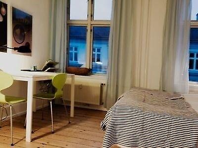 1352 værelse, kvm 15, mdr forudbetalt leje 6500