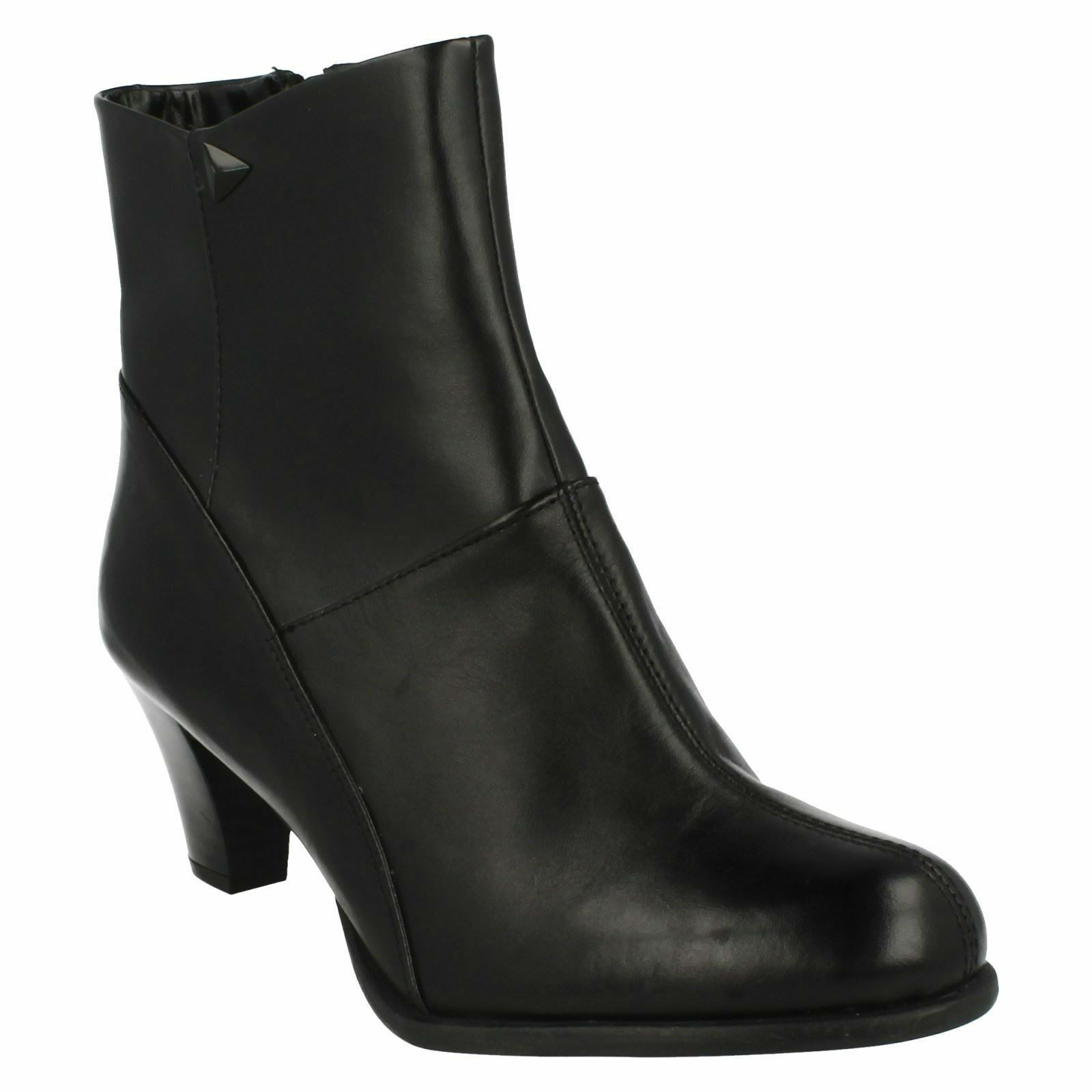 SALE LEASE PARTY LADIES CLARKS ZIP LEATHER SMART HEELED ANKLE BOOTS
