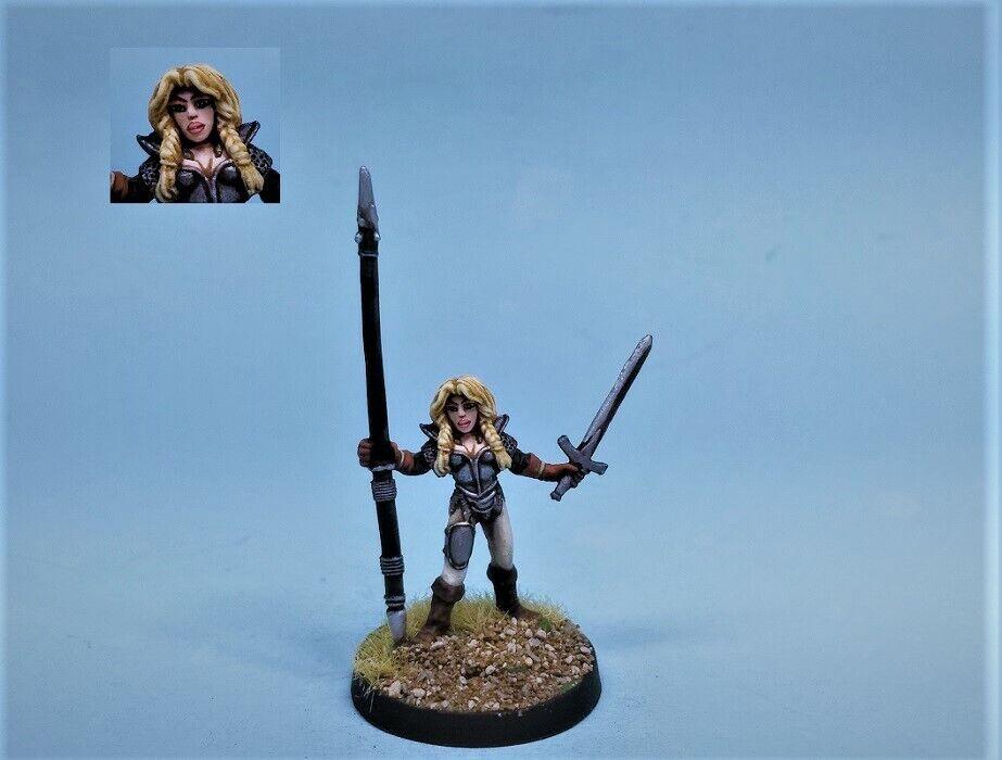 Ral Partha painted miniature Dragonlance Heroine Laurana