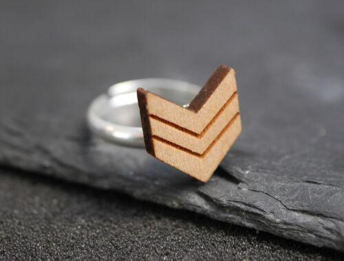 Pfeile minimal Pfeil geometrisch Dreieck Ring mit Holz Motiv
